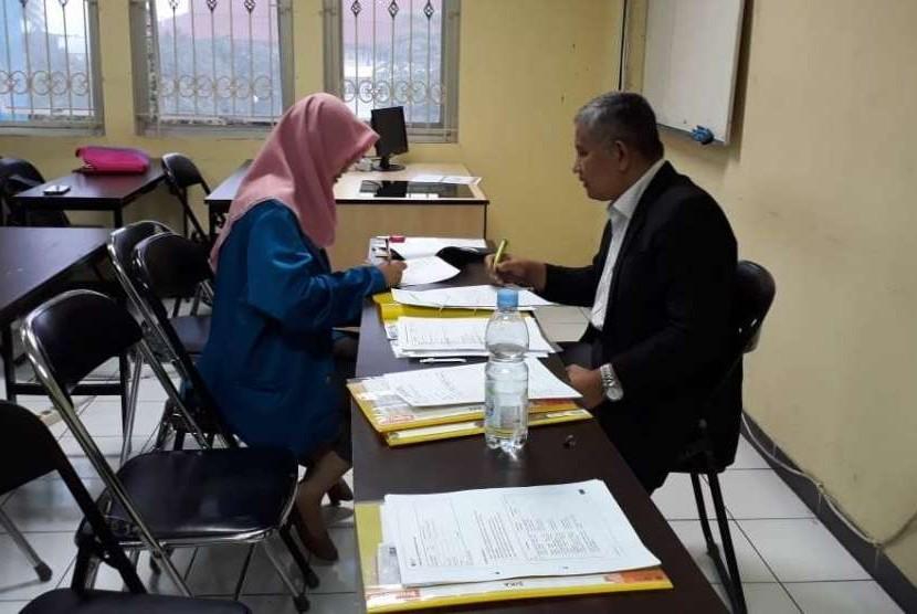 Mahasiswa Manajemen Universitas BSI Bandung mengikuti sertifikasi manajemen bisnis dan kewirausahaan.