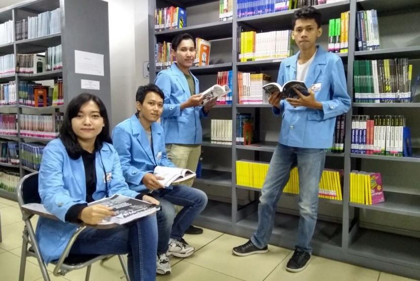 Mahasiswa STMIK Nusa Mandiri Jakarta lolos PKM pendanaan tahun 2018.