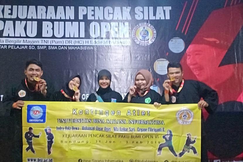 Mahasiswa UBSI berhasil meraih 4 medali pada kejuaraan pencak silat se-Asia  dan Eropa.