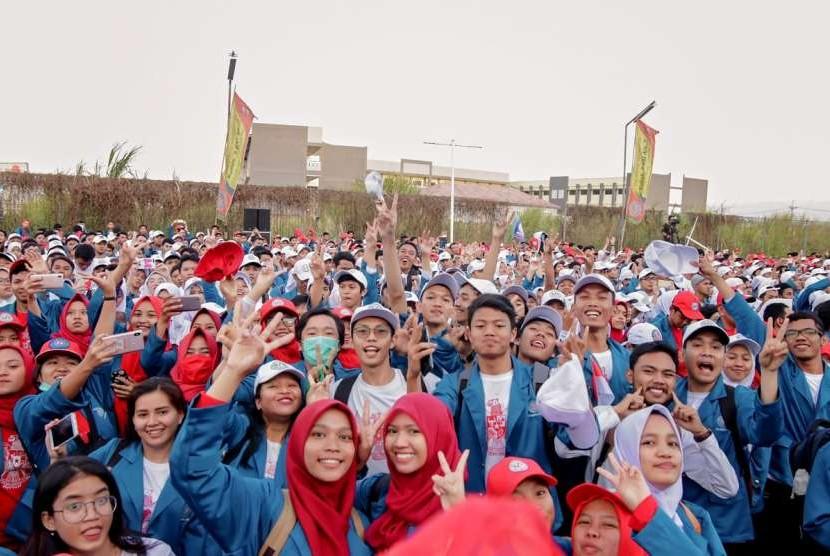 Mahasiswa UBSI senang mengikuti Semot  UBSI.