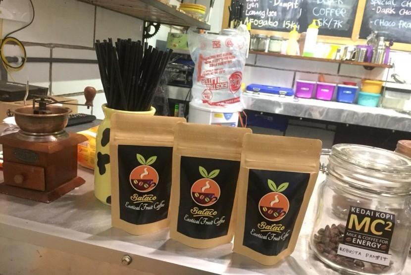 Mahasiswa Universitas Brawijaya (UB) melakukan inovasi kopi dengan memadukan ekstraksi dan fermentasi buah tropis.