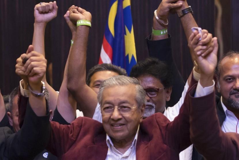 Mahathir Mohamad.