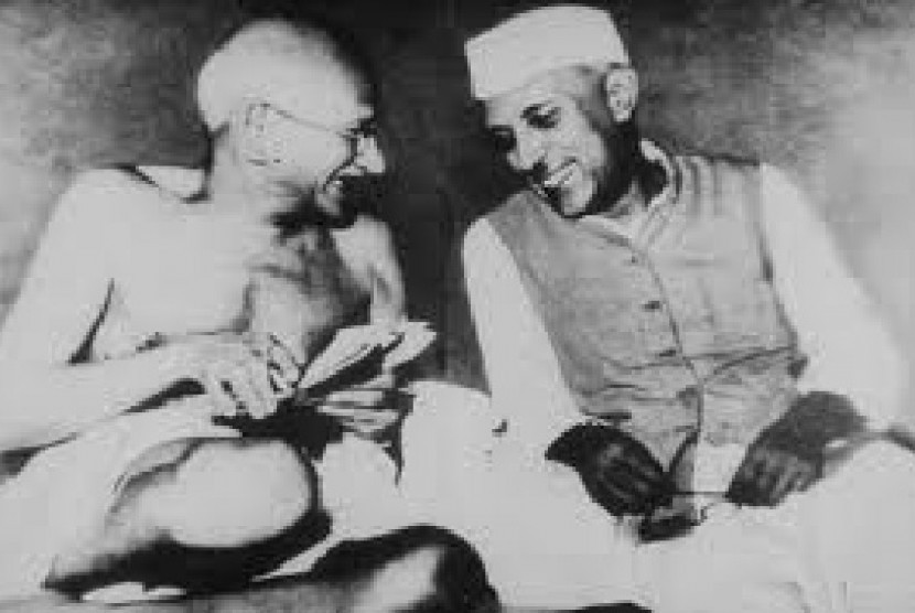 Mahatma Gandhi dan Jawaharlal Nehru