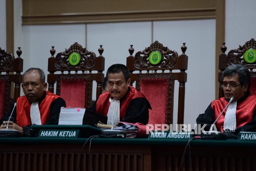 Sidang kasus penistaan agama dengan terdakwa Basuki Tjahaja Purnama atau Ahok.