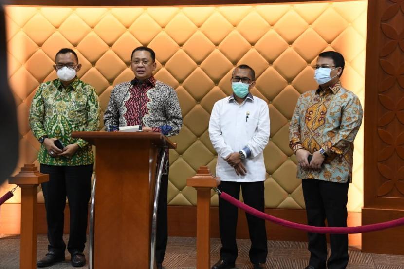 Majelis Permusyawaratan Rakyat (MPR) bekerjasama dengan Komisi Yudisial (KY) dan Dewan Kehormatan Penyelenggara Pemilu (DKPP) akan menyelenggarakan Konferensi Nasional II Etika Kehidupan Berbangsa. Konferensi akan berlangsung pada hari Rabu, 11 November 2020, di Gedung Nusantara IV komplek MPR/DPR, Jakarta.