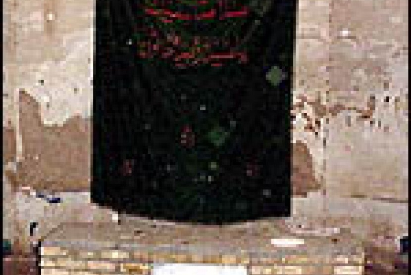 Makam Sayyidah Zubaidah yang nyaris rusak dan usang