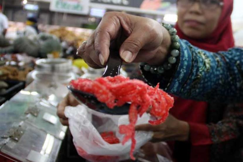Makanan Tradisional Berbahan Kimia Ditemukan Di Sukabumi