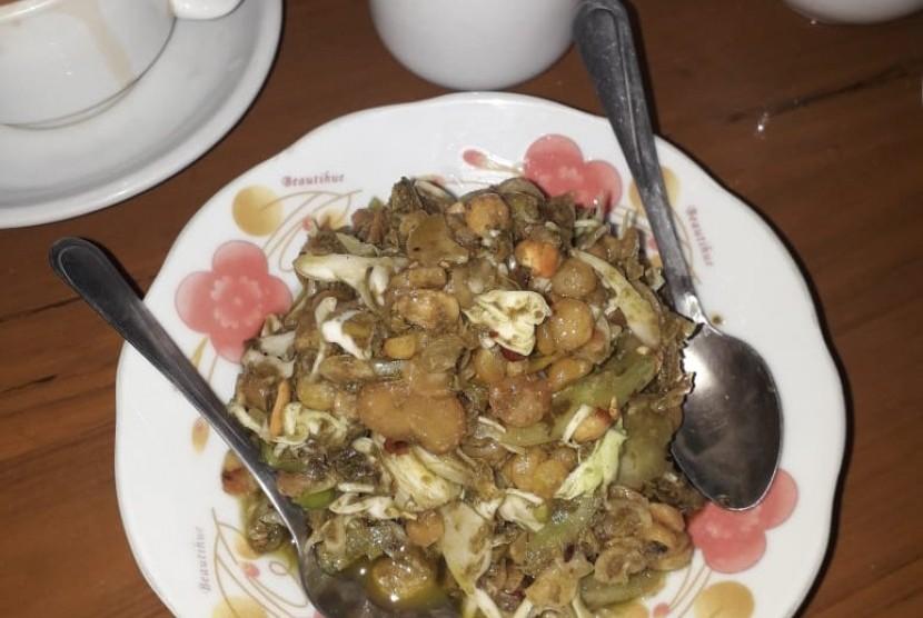 Makanan halal di Myanmar.