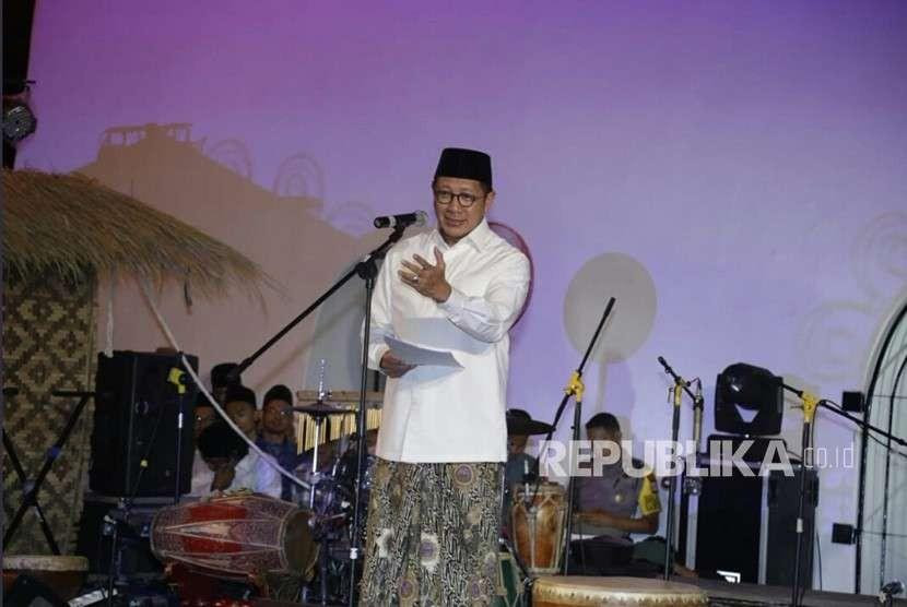 Menteri Agama Lukman Hakim Saifuddin di acara Malam Kebudayaan Pesantren di Panggung Krapyak, Kabupaten Bantul,  DIY, Rabu (10/10).
