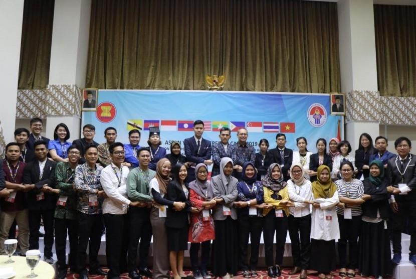 Malam pembukaan ASEAN Youth Interfaith Camp (AYIC) 2019, pada Senin (8/7).
