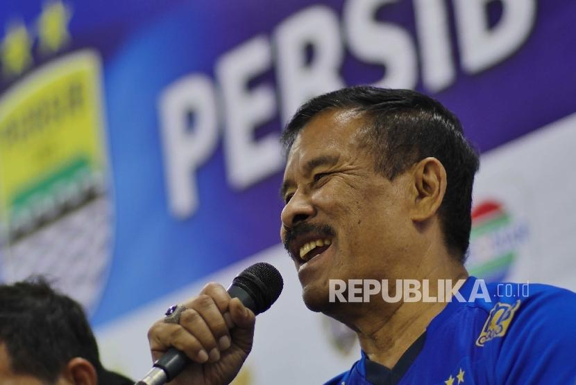 Manager Tim Persib Bandung Umuh Muchtar usai pertandingan uji coba melawan Bali United di Stadion GBLA, Bandung, (8/4).