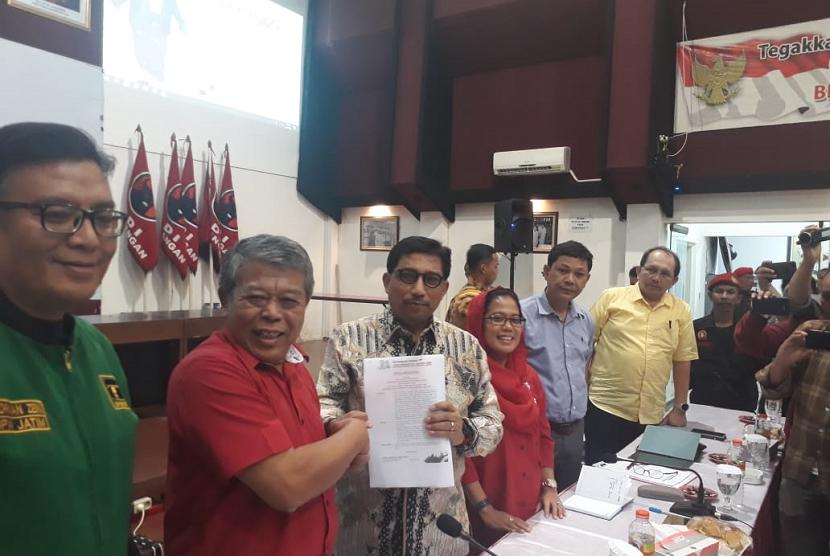 Mantan Kapolda Jatim Irjen Pol (Purn) Machfud Arifin ditunjuk sebagai Ketua Tim Kampanye Joko Widodo-Maruf Amin untuk wilayah Jatim