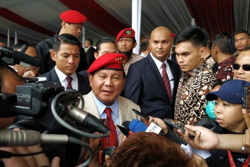 Mantan Komandan Jenderal Komando Pasukan Khusus (Danjen Kopassus) Letjend Prabowo Subianto menghadiri peringatan HUT Kopassus ke-67 di Markas Kopassus Cijantung, Jakarta, Rabu (24/4).