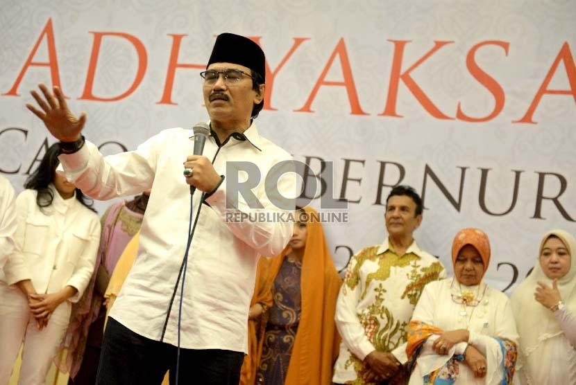 Mantan Menpora, Adhyaksa Dault, memberikan pandangan politik saat deklarasi calon Gubernur DKI Jakarta 2017-2022 di Jakarta, Ahad (20/9).