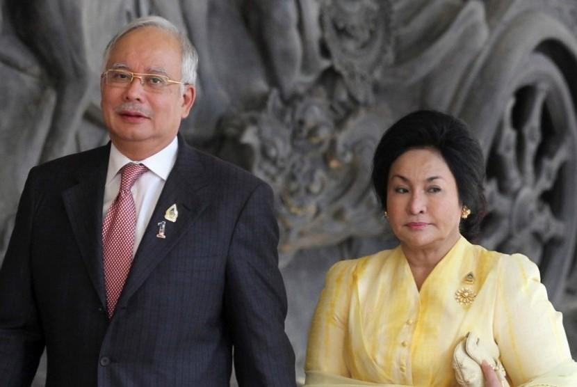 Mantan perdana menteri Malaysia Najib Razak dan istrinya Siti Rosmah.