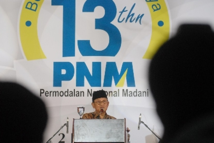 Mantan Presiden Prof Dr.Ing B.J. Habibie berpidato pada acara hari ulang tahun PT Permodalan Nasional Madani (PNM) di gedung Smesco UKM, Jakarta