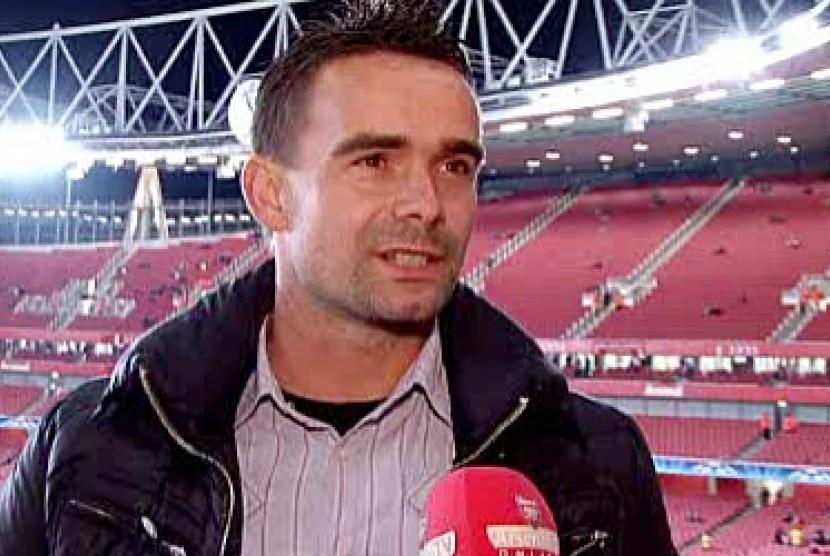Barcelona Incar Direktur Sepakbola Ajax