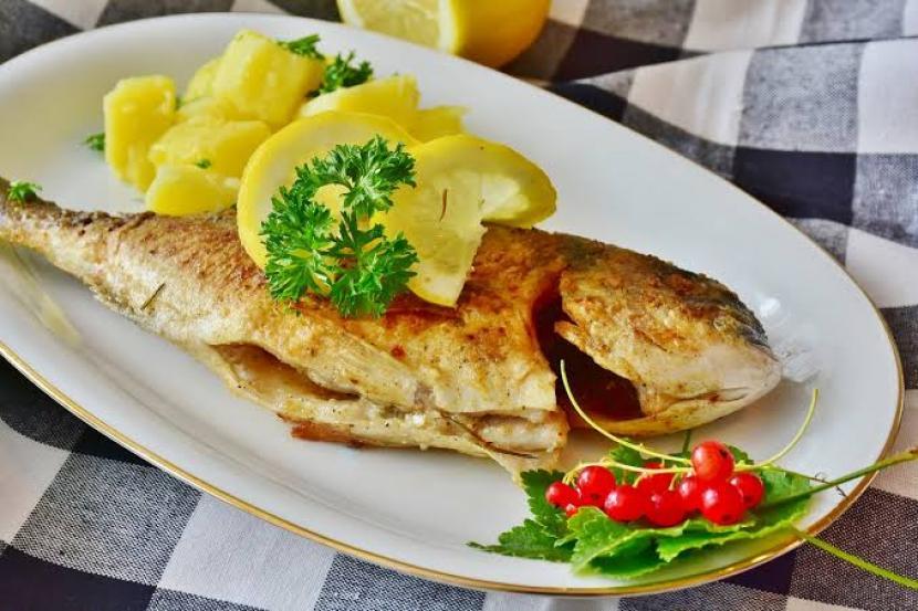 Studi: Ikan Jenis Tertentu Baik untuk Jantung | Republika Online