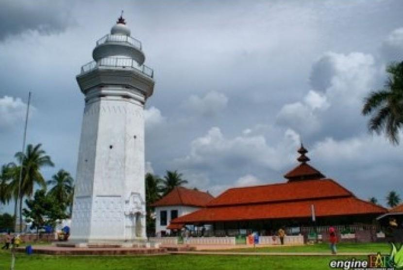 Masjid Agung Kesultanan Maulana Hasanuddin, Kota Serang, Banten
