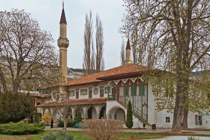 Masjid Besar Khan