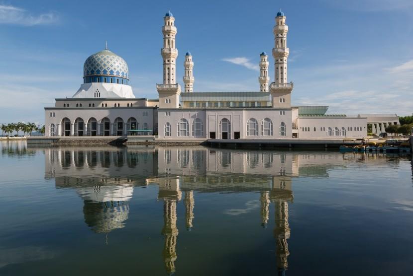 Seluruh Masjid Diizinkan Terima 300 Jamaah Sholat Jumat. Foto: Masjid City Kinabalu