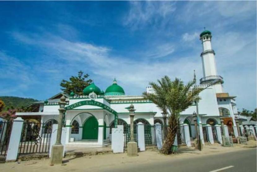 Masjid Hunto Sultan Amai di Gorontalo.