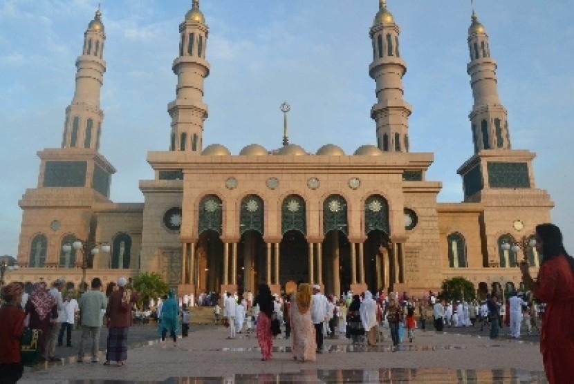 Masjid Islamic Centre Samarinda, Kalimantan Timur.