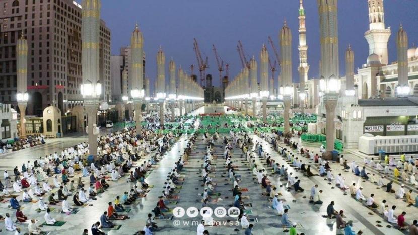 WHO menetapkan Madinah sebagai salah satu kota tersehat di dunia. Masjid Nabawi di Madinah