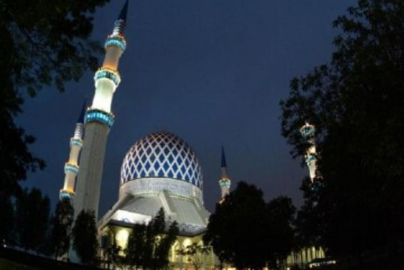 Sultan Selangor Minta Vaksinasi Imam dan BilalDipercepat. Masjid Raya Selangor