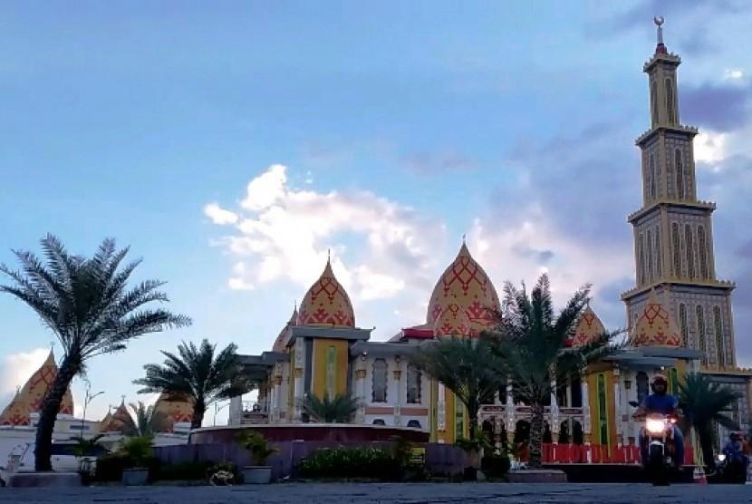 Masjid Roudhotul Muchlisin Jember