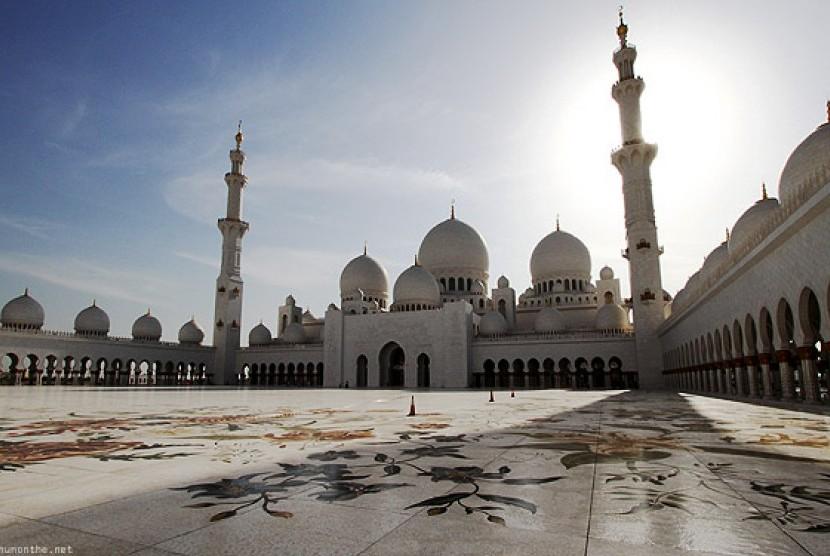 Masjid Syekh Zayed Abu Dhabi.