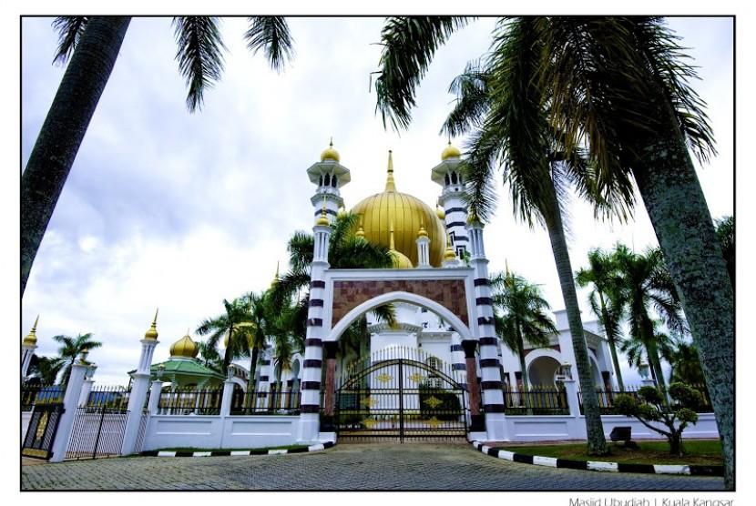 Masjid Ubudiah di Bukit Chandan, Kuala Kangsar, Perak, Malaysia.