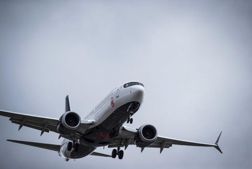 Maskapai Air Canada menggunakan pesawat jenis Boeing 737 Max 8. Pesawat bersiap mendarat di Vancouver International Airport, Richmond, Bristish Colombia, Selasa (12/3).