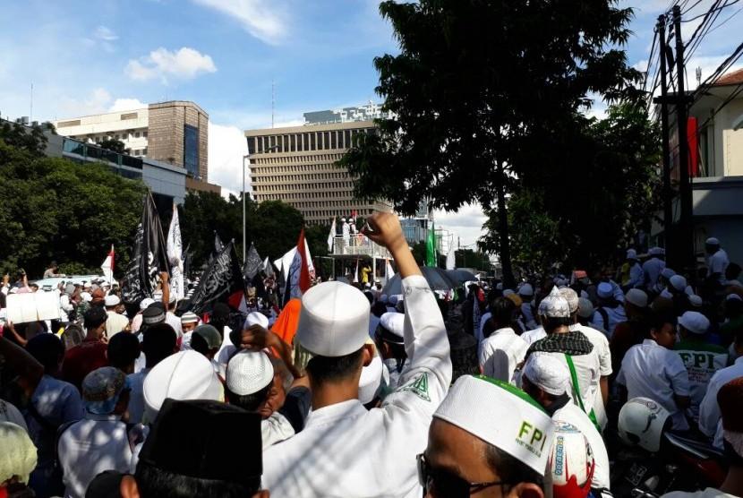 Massa aksi longmarch yang akan dilakukan Gerakan Nasional Pengawal Fatwa (GNPF) MUI, Jumat (28/4).