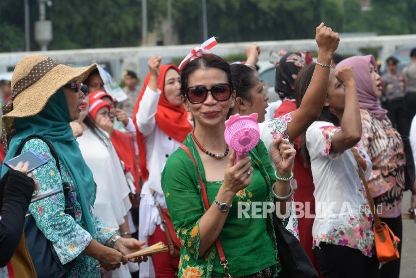 Perempuan Indonesia.