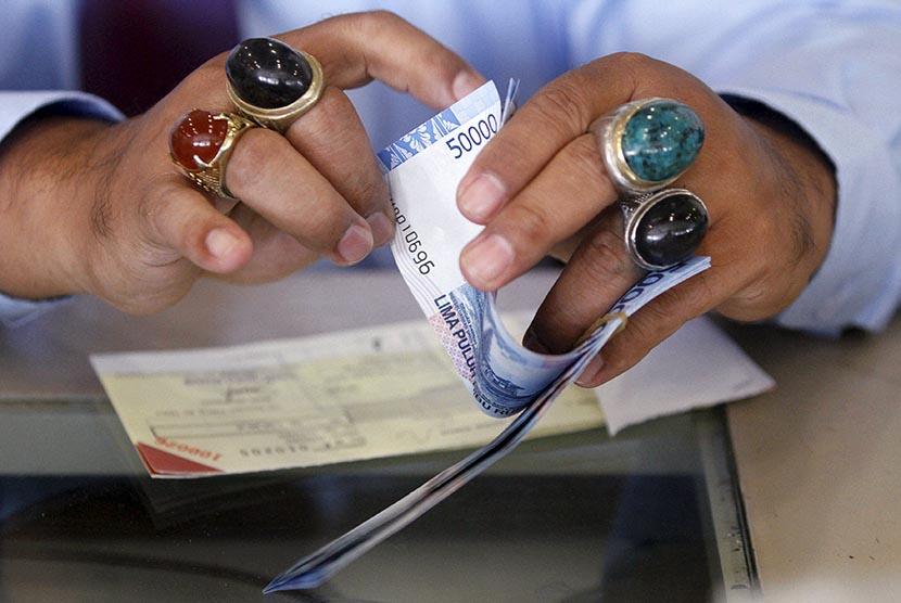 Mata uang rupiah menguat.