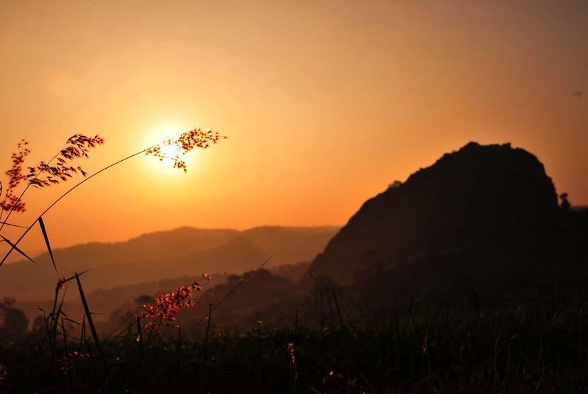 Matahari Terbenam (ilustrasi).