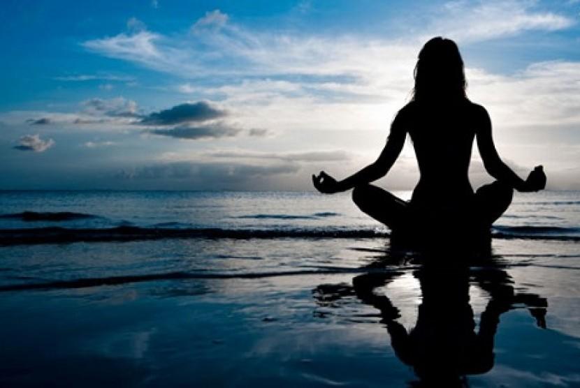 Meditasi direkomendasikan sebagai olahraga yang tepat ketika sedang berpuasa.