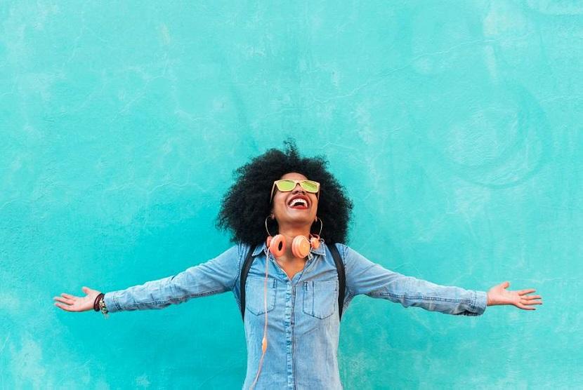 Membahagiakan diri sendiri membuat seseorang mudah mengatasi stres dan kecemasan, peningkatan motivasi, serta sistem imun yang lebih baik