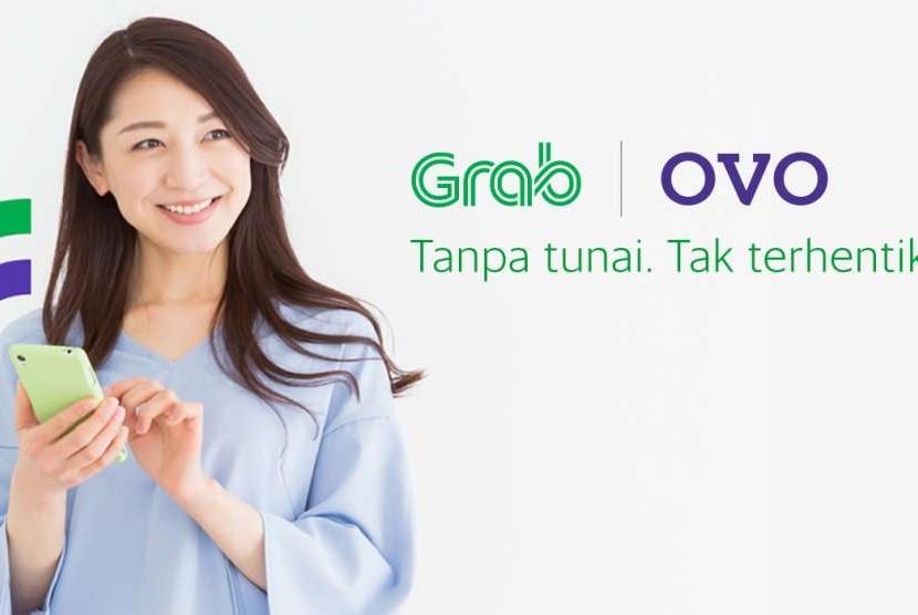 Membayar Grab dengan OVO.