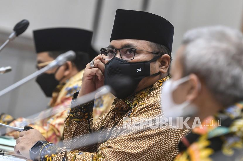 Menag Yaqut Cholil Qoumas mengikuti raker dengan Komisi VIII DPR di Kompleks Parlemen, Senayan, Jakarta, Rabu (2/6/2021).