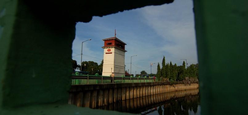 Menara Syahbandar, Jakarta Utara, Minggu (5/2). (Republika/Prayogi)