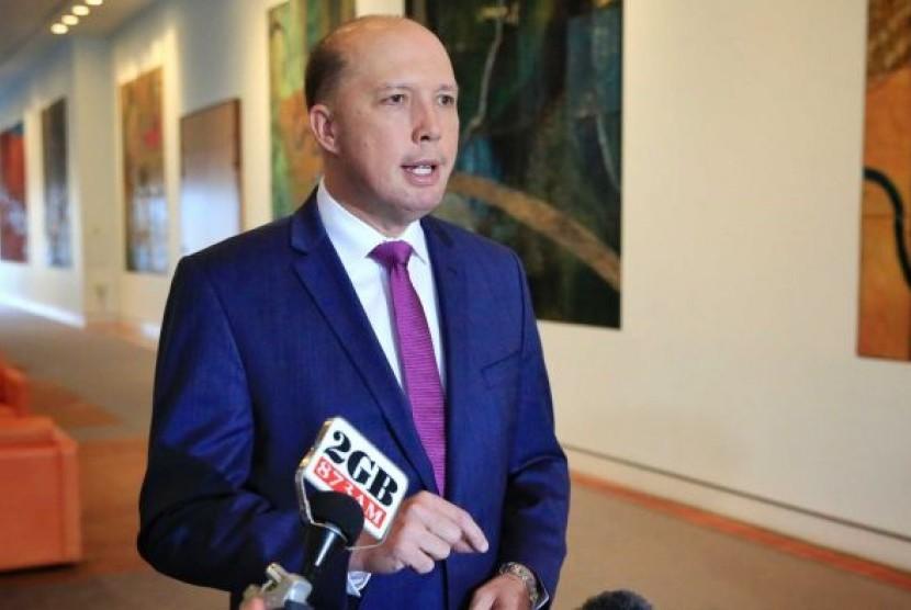 Mendagri Australia Peter Dutton menyatakan petani kulit putih yang terancam di Afsel butuh bantuan dari Australia.