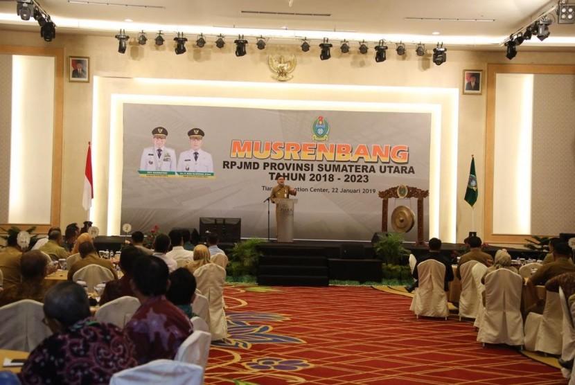 Mendagri Tjahjo Kumolo saat memberi sambutan di acara Musrenbang RPJMD Provinsi Sumatera Utara di Tiara Convention Center Medan, Selasa (22/1).