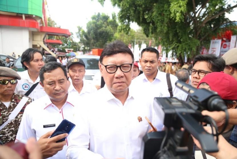 Mendagri Tjahjo Kumolo saat menghadiri pembukaan Pekan Kerja Nyata Revolusi Mental di Kota Manado, Sulawesi Utara, Jumat (26/10)