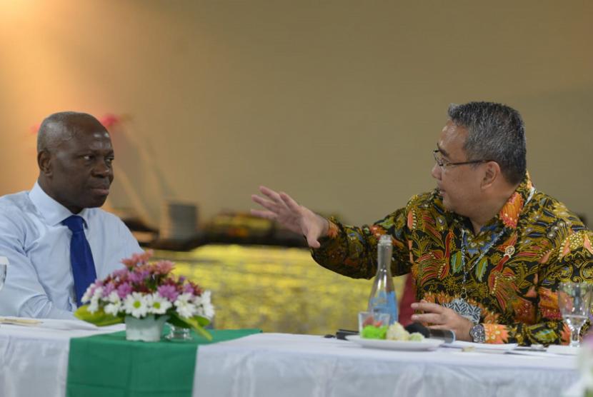 Mendes PDTT Eko Putro Sandjojo bertemu dengan Presiden The International Fund for Agricultural Development (IFAD) Gilbert Houngbo.