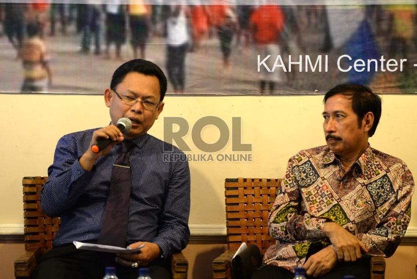 Menelisik Kerusuhan Tolikara. (dari kiri) Pengamat Intelijen Wawan Purwanto dan Sosiolog UIN Syarif Hidayatullah Jakarta Musni Umar saat diskusi yang diadakan oleh KAHMI d Jakarta, Rabu (29/7).