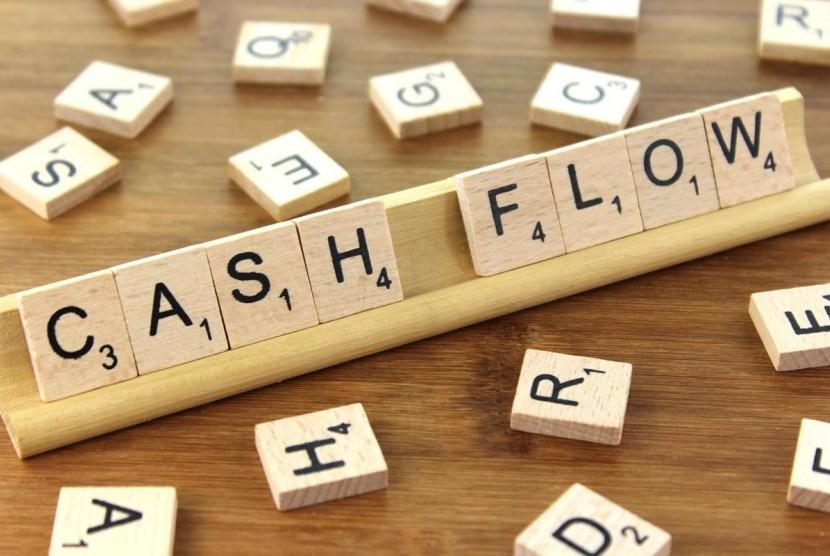 Mengatur manajemen aliran uang.