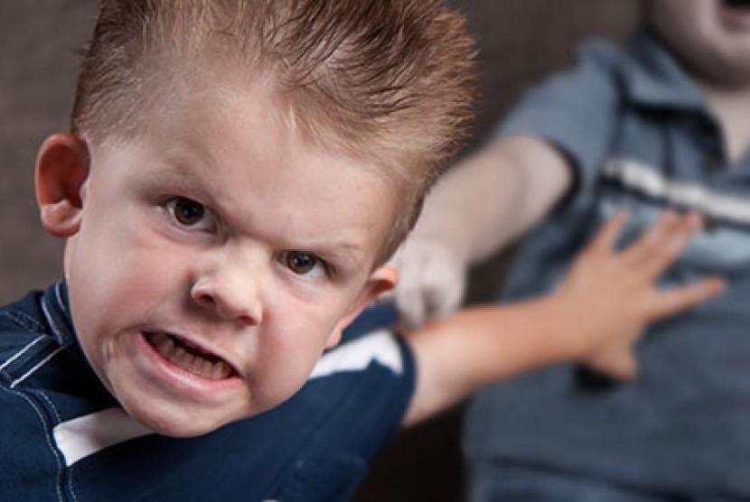 Menggencet anak lain sebenarnya merupakan fase dalam kehidupan anak, namun tetap perhatikan serius agar anak tumbuh dengan tidak jadi penggencet bagi anak lain.