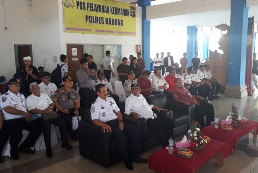 Menhub Budi Karya Sumadi di Bandara Ngurah Rai Bali